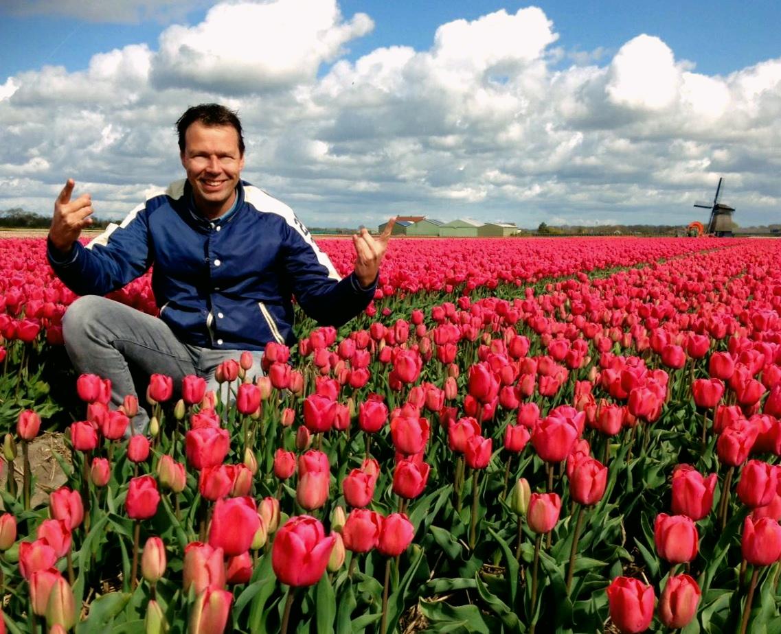 Rocken tussen de tulpen