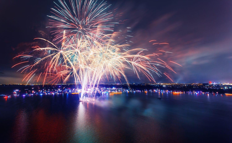 Draaien tijdens Vuur en Licht op het water in Aalsmeer.